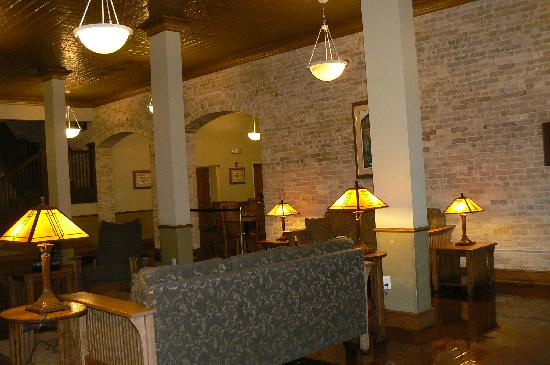 Best Western Plus Sunset Suites-Riverwalk: Lobby