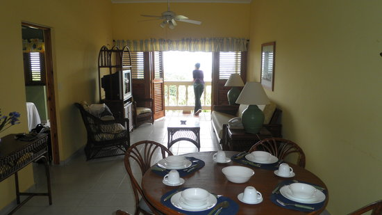 Coconut Palms Resort: One bedroom with kitchen