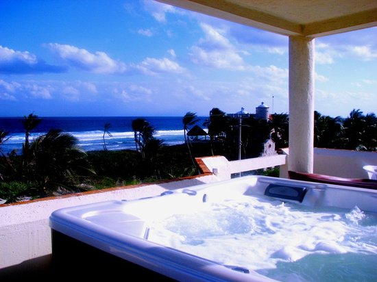 Casa Amor Del Sol: Rooftop Jacuzzi with 360 Degree Views