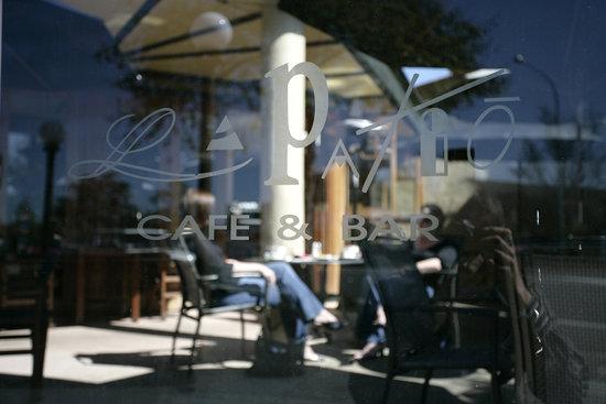 La Patio Cafe & Bar