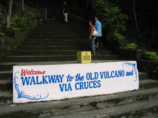 Walkway to the Old Volcano and Via Cruces