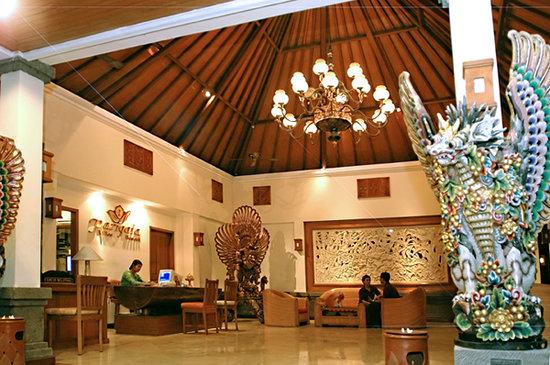 Parigata Villas Resort: Villa Lobby exterior