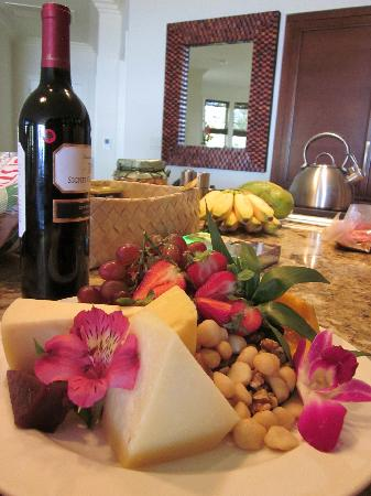 Ho'olei at Grand Wailea: Welcome Spread on kitchen counter