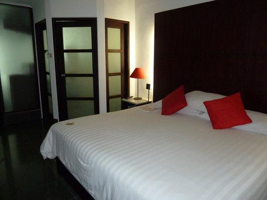 Segara Village Hotel: bedroom 211