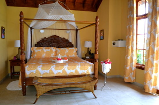 Moon Dance Cliffs: Ponciana honeymoon villa
