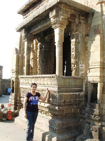 Baijnath Temple: Temple complex