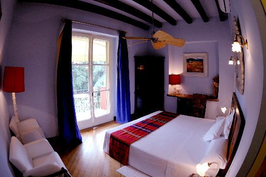 Hotel Torre Marti: room, els cedres