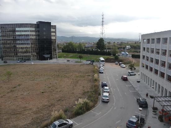 Campanile Barcelona Norte - Barbera del Valles: chosir côté sud, entrée hotel car périph derrière