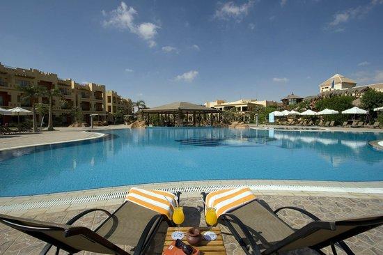 Swiss Inn Pyramids Golf Resort & Swiss Inn Plaza : Pool