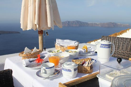 Dreams Luxury Suites: Breakfast