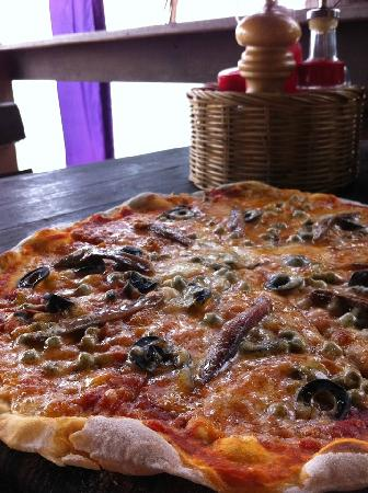 Drifters Beach Cafe: one of the best pizza in Thailand!