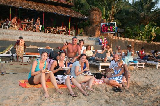 Hacienda De Goa Resort: Beach at 10 min.