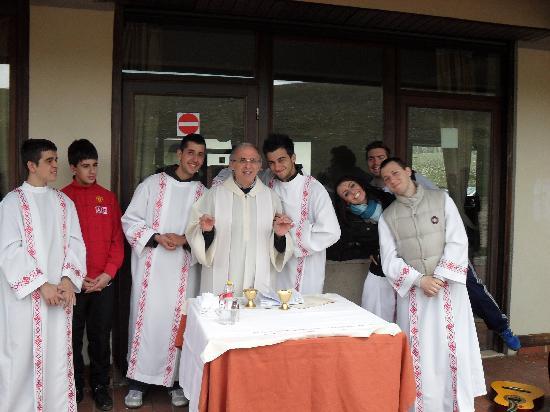 Rifugio Alantino: Termine della Celebrazione Eucaristica - Ritiro in preparazione alla Cresima 8 maggio 2010