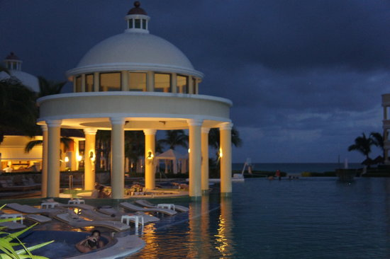 Iberostar Grand Hotel Paraiso : Pool bar