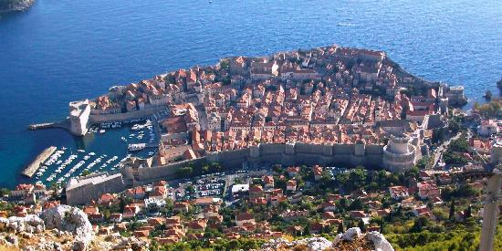 Ariston Hotel: View from the hill above Dubrovnik.