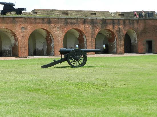 Fort Pulaski National Monument: cannon