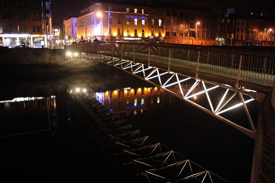 Millennium Bridge: il ponte di notte