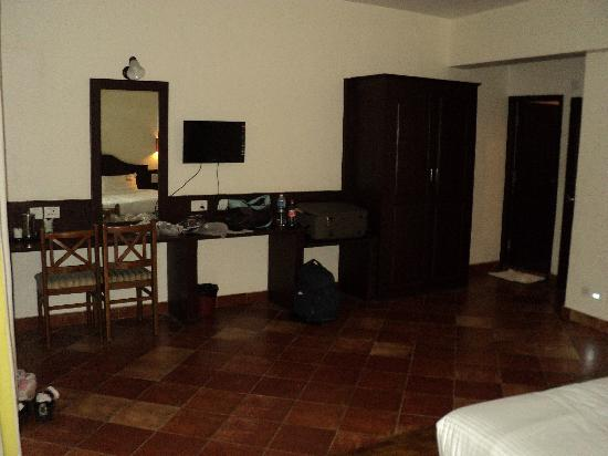 Ayur County Resorts: Infront of Bed