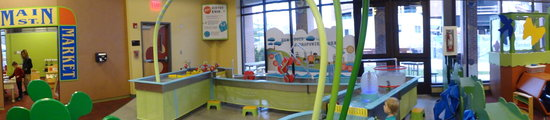 Children's Discovery Museum: water table area