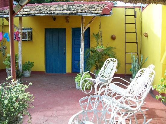 Casa Izquierdo: Il patio