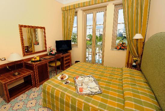 Antiche Mura Hotel: Standard room with French Balcony