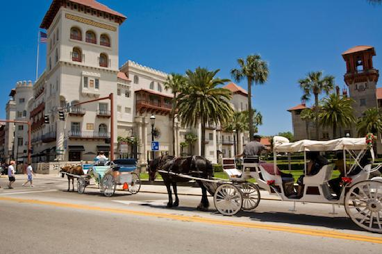 ‪‪St. Augustine‬, فلوريدا: Carriages on King Street‬