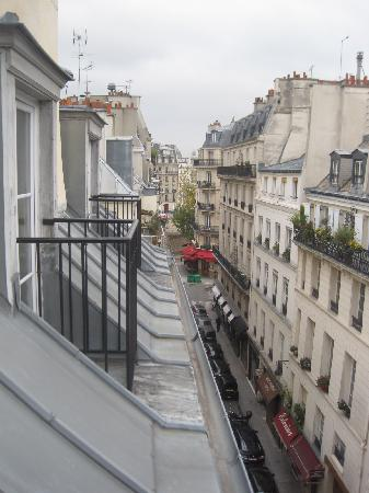 Hotel Saint-Louis en l'Isle: View from room 502 towards the Seine