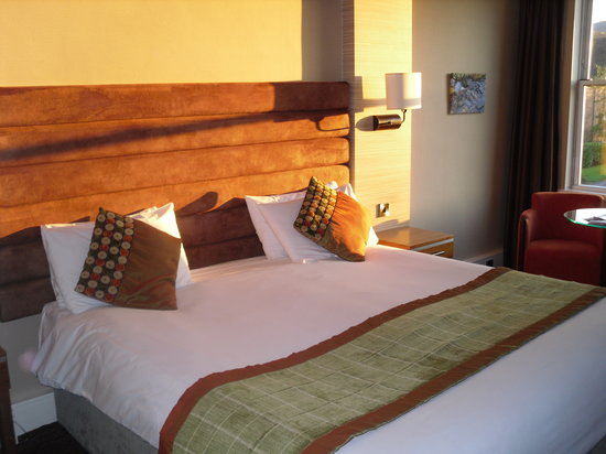 The Cheltenham Chase Hotel - A QHotel: First Floor Bedroom