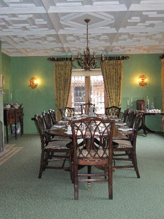 The Old Hall Bed & Breakfast: The dining room