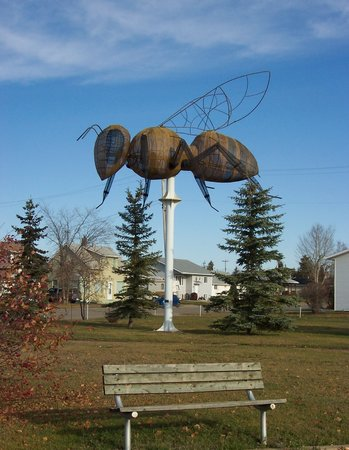 Falher, Καναδάς: World's Biggest Bee