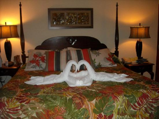 Beaches Negril Resort & Spa : Towel Swans