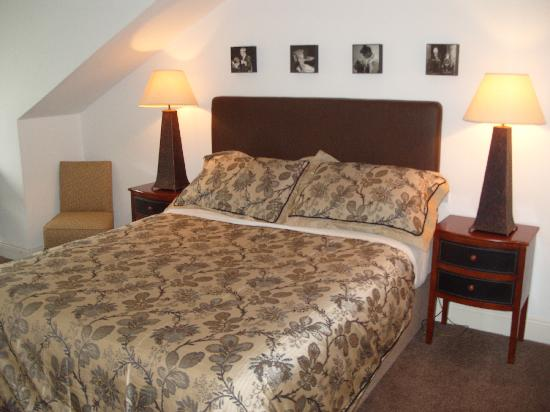 Coach-Hill House: Single Room