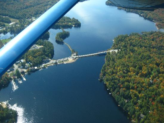 Helms Aero Service: Bird's eye view of the lake from the plane