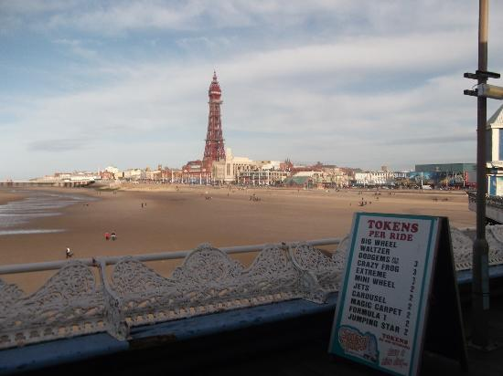 Newbury Hotel: blackpool tower from centre pier