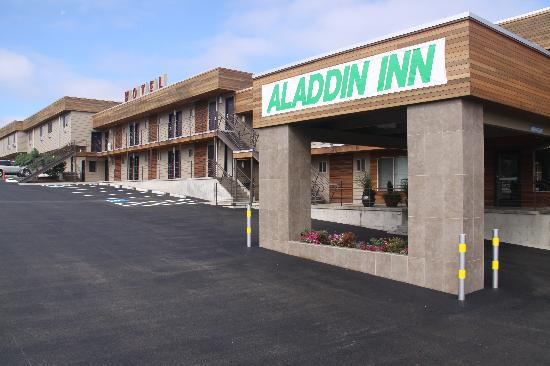 Aladdin Inn and Suites: Exterior View