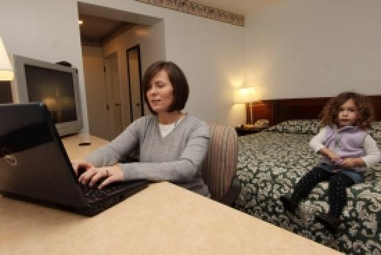 Nittany Budget Motel: Spacious work space in a quiet, safe neighborhood.