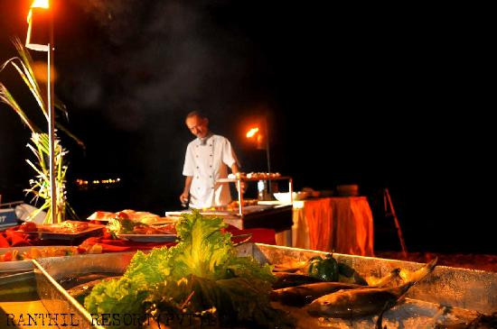 Ranthil Resort Guest House: Our Restaurant on the Unawatuna beach