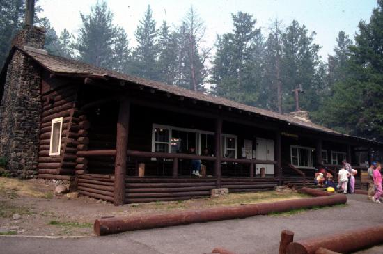 Roosevelt lodge cabins updated 2018 campground reviews for Hotels yellowstone national park
