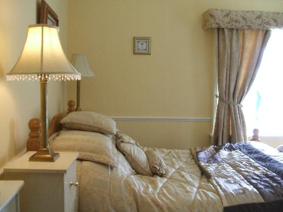 Robin Hill Guesthouse: Rectory Room