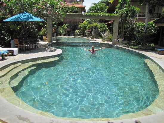 Kusnadi Hotel: Sweet Pool