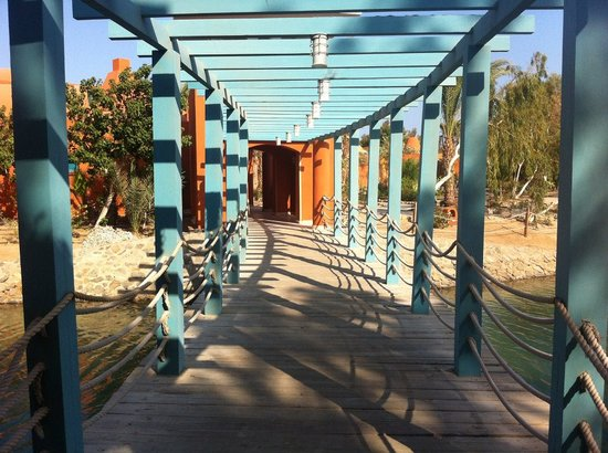 Sheraton Miramar Resort El Gouna : Unique walkways