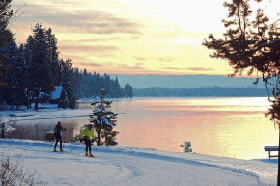 Αϊντάχο: Nordic skiing along beautiful Payette Lake in McCall.