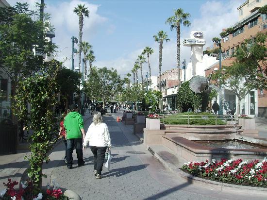 Third Street Promenade