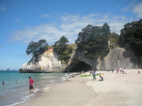 On the Beach B & B: Nearby Cathedral Cove