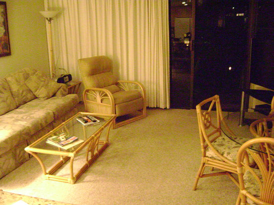 Aston at Papakea Resort: living room