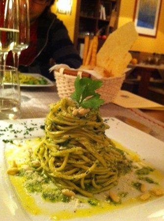 Osteria la Briciola: tagliolini alle erbette parmigiano e pinoli!