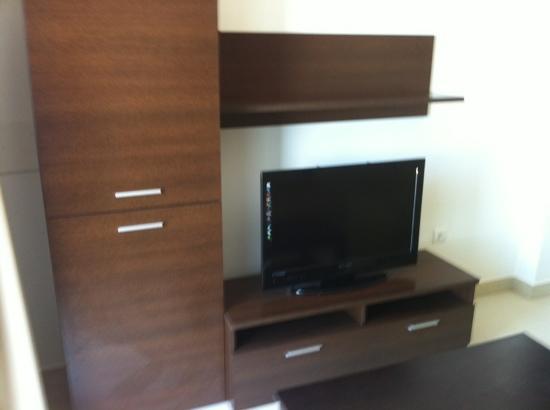 IBH Apt Diamond: tv living room