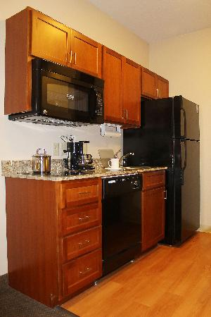 Candlewood Suites Grand Junction NW: Kitchen