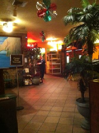 Largo, FL: lobby