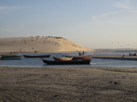 Jericoacoara, CE : Por do Sol, going up to the sand dune